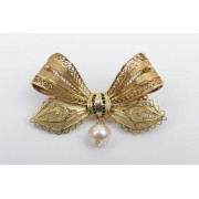 Zlatá brož s perlou