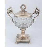 Stříbrný pohár s víkem