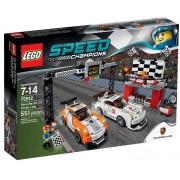 LEGO Závodní šampióni 75912 Porsche 911 GT v cílové rovince