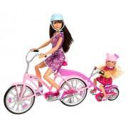 Mattel X9057 - Bicicleta de familia Barbie para dos hermanas (incluye muñecas de Skipper y Chelsea y accesorios)