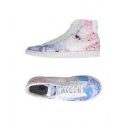 NIKE WMNS BLAZER MID PRINT - CHAUSSURES - Sneakers & Tennis montantes - on YOOX.com