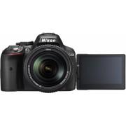 NIKON D5300 + 18-140mm AF-S DX ED VR Preta