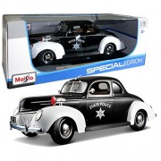 """Maisto Year 2014 Special Edition Series 1:18 Scale Die Cast Car Set Black And White Color Classic Police Coupe 1939 Ford Deluxe With Display Base (Car Dimension: 9 1/2"""" X 3 1/2"""" X 3 1/2"""")"""
