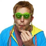 Cannuccia a forma di occhiali con serbatoio