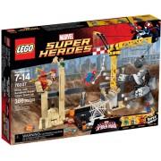 LEGO® Marvel Super Heroes Alăturarea super malefică de forțe dintre Rhino și Sandman 76037