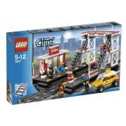 LEGO City Train Station 7937 by LEGO City