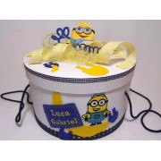 Cutie rotunda botez personalizata Minions 1
