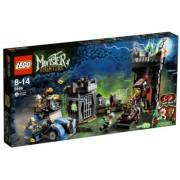 LEGO 9466 Monster Fighters - Juego de construcción con científico loco y su monstruo