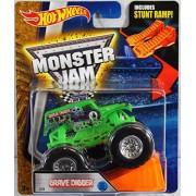 Hot Wheels Monster Jam Grave Digger Green 2016 New Look! Includes Stunt Ramp! #33