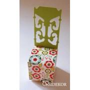 Köszönetajándék-doboz virágos mintával (lapra szerelve)