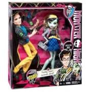 Monster High Picnic Casket Doll 2-Pack -Frankie Stein si Jackson Jekyll