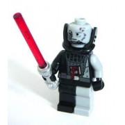 LEGO Star Wars - Figura de Darth Vader en duelo final con espada láser roja