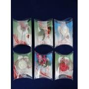 Martisoare diverse in cutie de plastic set 100 buc