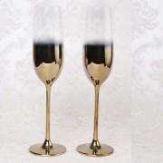 Set doua pahare elegante cu design auriu