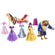 Disney Princess Favourite Moments Belle Deluxe - Muñeca de Bella con accesorios y bolsa de transporte