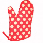 Polka Dot Oven Mitt by Annabel Trends