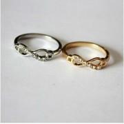 Végtelen mintás köves gyűrű