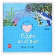 Peligro En El Mar/ Danger in the Sea by Begona Ibarrola