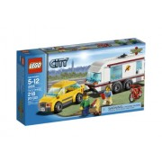 LEGO City Town Car and Caravan 4435 by LEGO