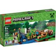 LEGO® Minecraft™ Fermă 21114