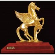 """Ръчно изработена статуетка с 22 карата златно покритие """"Пегасус"""" (A042)"""
