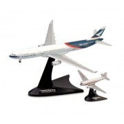 Herpa 562089 - Set di aeroplani della Cathay Pacific Airways Douglas DC-3, Airbus A330-300 Niki e Progress Hong Kong