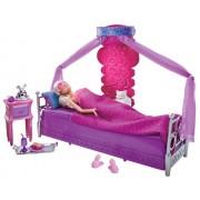 Barbie T8015 - Barbie Deluxe, mobili: comoda camera da letto con accessori e bambola