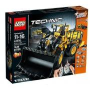 Technic - La chargeuse sur pneus télécommandée VOLVO L350F - 42030