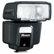 Nissin i40 - blit pentru camerele Canon