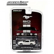 2010 FORD MUSTANG GT (White) MUSTANG 50 YEARS 2014 Greenlight Collectibles Anniversary Collection Series 1 Limited Editi