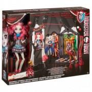 Monster High Freak du Chic Set Circus Scaregrounds cu papusa Rochelle Goyle CHW68