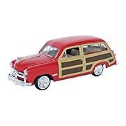 """Motormax GOTZMM73260RD 1:24 Scale Red """"1949 Ford Woody Wagon"""" Die Cast Model Car"""