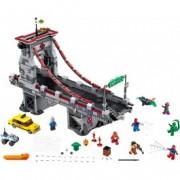 LEGO® Marvel Super Heroes Omul Păianjen: Lupta supremă de pe pod a războinicilor Web 76057