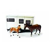 Britains Big Farm 42846 1:16 Scale Horse Trailer with Horse and Foal