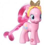 Figurina My Little Pony Explore Equestria Pinkie