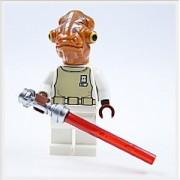 Lego - Figura del almirante Ackbar con espada láser de La guerra de las galaxias