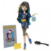 Mattel Monster High Y8500 - Muñeca de Cleo de Nile con anuario