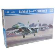 Trumpeter 2224 - Sukhoi Su-27 Flanker B a escala [importado de Alemania]