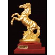 """Ръчно изработена статуетка с 22 карата златно покритие """"Кон"""" (A046)"""