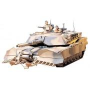 Tamiya 300035158 - Modellino carro armato americano da combattimento M1A1 Abrams con dotazione per lo sminamento (2) realizzato in scala 1:35