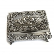 Cutie pentru bijuterii si accesorii gravata cu trandafiri