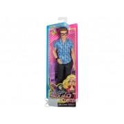 Barbie: agent secret, păpușă agent László