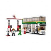 Sluban tour bus en tankstation