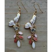 oorbellen vlinder goudkleur roze