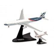 Herpa 562089 - Set di aeroplani della Cathay Pacific Airways Douglas DC-3, Airbus A330-300 Niki e Progress Hong Kong