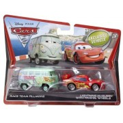 Disney/Pixar Cars 2 Die-Cast Race Team Fillmore and Lightning McQueen with Travel Wheels 2-Pack 1:55 Scale by Mattel