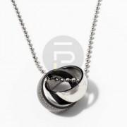 Nyaklánc összefonódó acél karikagyűrűkkel