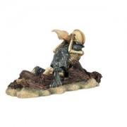 Dekorace sedící kostra s mušlí, na troskách 20 cm - DOPRODEJ