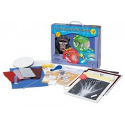 Young Scientist Series - Set 7: Bones and Muscles (Kit 19) - The Senses (Kit 20) - Light (Kit 21) by The Young Scientists Club