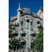 House of Gaudi in Barcelona, Spain Journal: 150 Page Lined Notebook/Diary